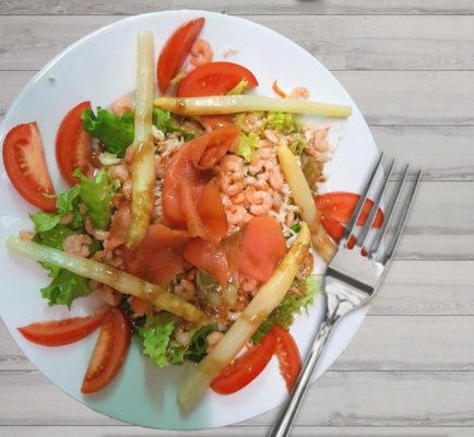 Salade crevettes et asperges - Restaurant Bar & Vins - La Fontaine des halles - Poitiers